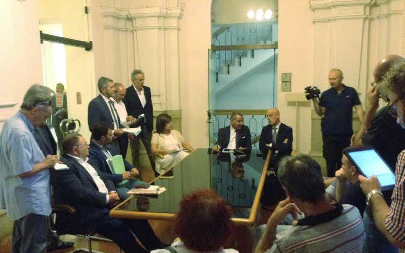 La delegazione dei lavoratori ex Pozzi a Palazzo Cesaroni