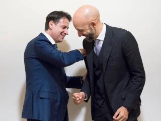 Vincenzo Bianconi con il premier Giuseppe Conte