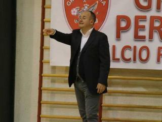Mister Egisto Seghetta, allenatore della squadra femminile di calcio a 5
