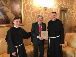 Padre Enzo Fortunato, Paolo Gentiloni e Padre Mauro Gambetti