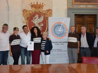 Gli organizzatori con Clara Pastorelli