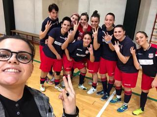 Il saluto delle ragazze del futsal a mister Seghetta