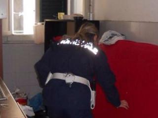 Polizia in appartamento occupato