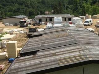 Casette terremoto in costruzione