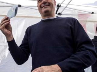 Zingaretti al voto .jpg
