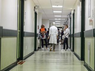 Ospedale PERUGIA corsia.jpg