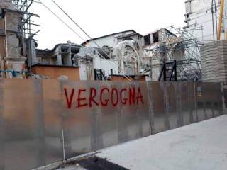 Norcia, Vergogna.jpg