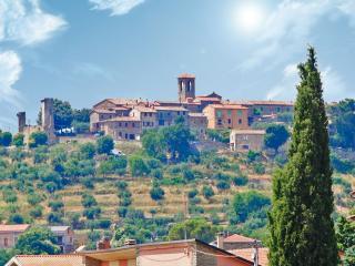 Il borgo di Montecolognola (foto Facebook)