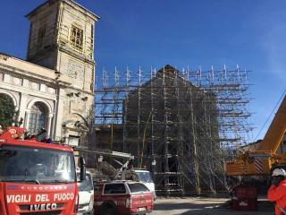 La gabbia sulla Basilica di San Benedetto