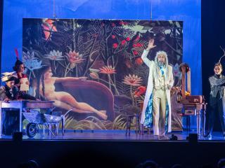Gli Oblivion in una scena dello spettacolo (foto Galletta)