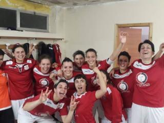Le ragazze del futsal dopo la vittoria di Gubbio