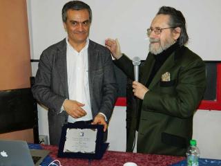 Il prof. Paolo Valigi con il maestro Franco Venanti