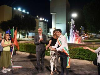 Il sindaco Romizi al taglio del nastro (foto Belfiore)