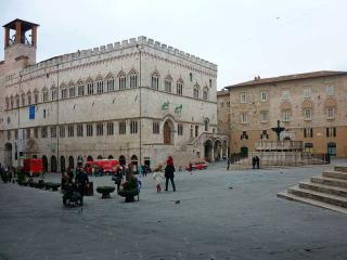 Perugia, Piazza 4 Novembre