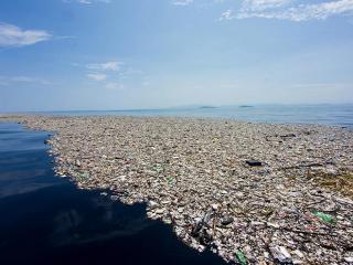 Isola di rifiuti nell'Oceano Pacifico