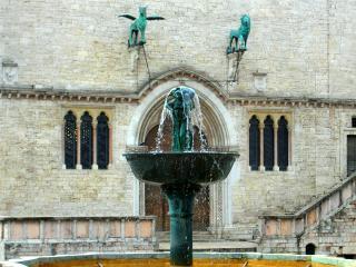 Fontana Maggiore Palazzo dei Priori