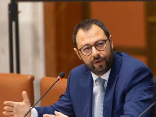 Il ministro Stefano Patuanelli