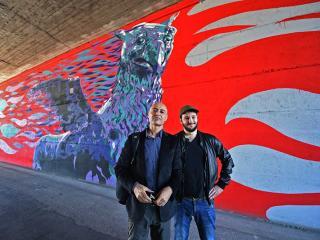 A sinistra l'artista David Vecchiato