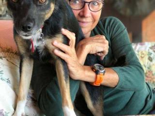 La scrittrice Susanna Tamaro con il cane Pimpi