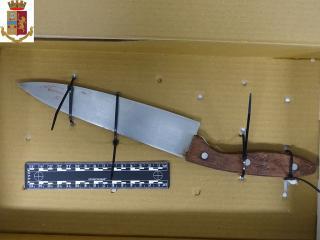 Il coltello usato dal 26enne nigeriano