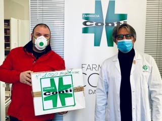 valentino_conti_consegna_le_mascherine_allospedale_di_terni-2.jpeg