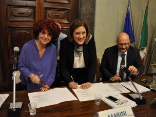 Il ministro Fedeli con la presidente Marini