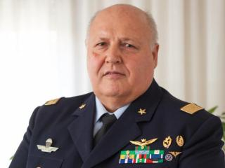 Il generale Walter Pauselli