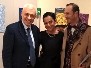 Mauro Poponesi durante la presentazione insieme a Carlo Motta editore e Luana Baraccani di Arte Mondadori